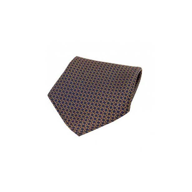 Diamond Link Pattern on Silk Pocket Square