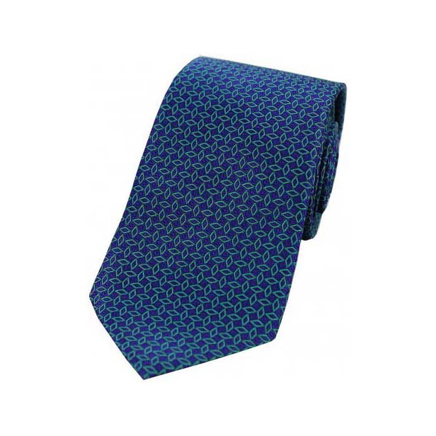 Green Diamond Link Pattern on a Navy Silk Tie